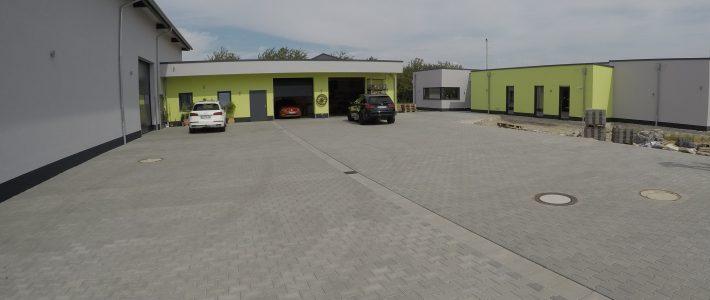 Einfamilienhaus & Lagerhalle in Schornsheim